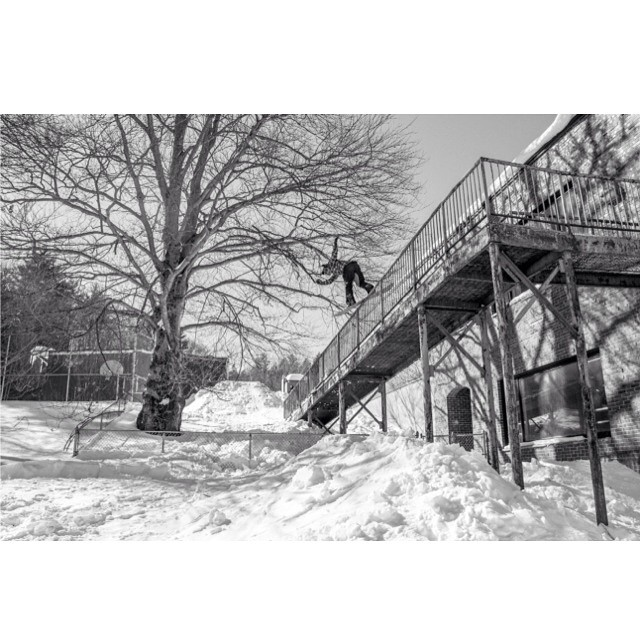 @stevelauder settles into a sizable Front Board pop-over. Photo by @i93productions ❄️