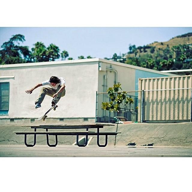 AB am Jordan Trahan, LA schoolyard 360 flip