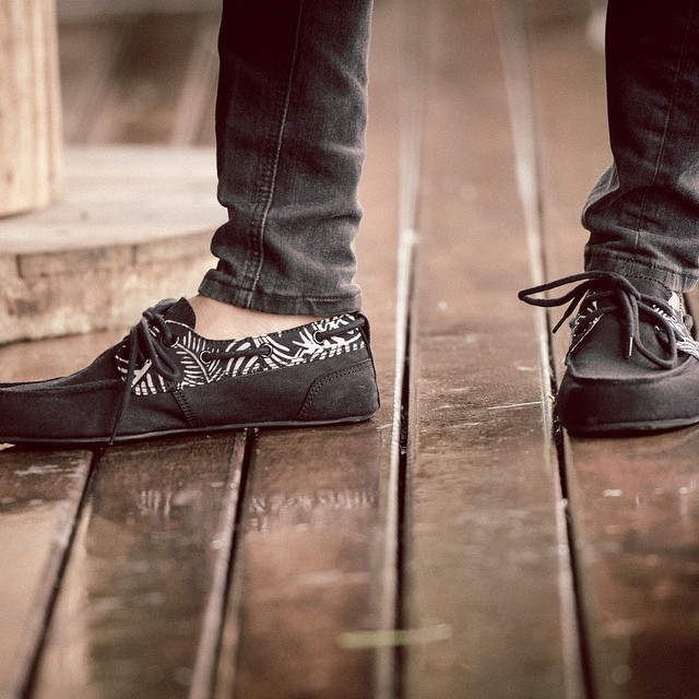 We made a select amount of these Black Palm Batik Panels for a few of our favorite retailers.... What do you think, should we bring them back for round 2? #copordrop  #Batik #PrahuBoatShoe #BoatShoes #soleswithsoul