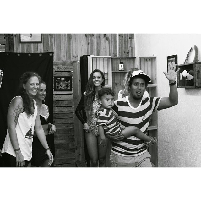#AkelaSurf  Family  photo @vaniaelisephotog