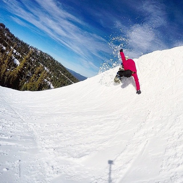 Since our traveling education booth is outside in the snow all week for the #BurtonUSOpen, we want focus this week's #breastcancer prevention post on 8 health benefits of getting outdoors! Check them out at b4bc.org/blog #breastcancerprevention Photo:...