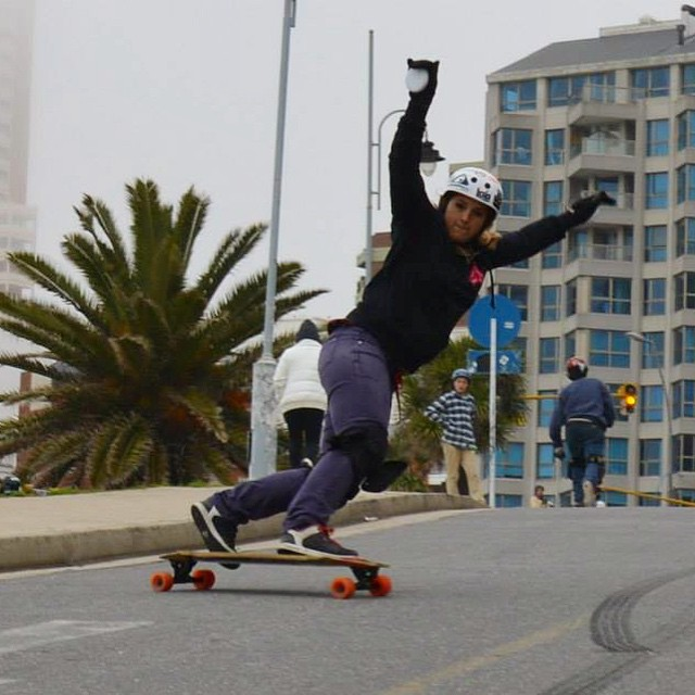 Go to www.longboardgirlscrew.com and check a new edition of 'South America Shredders' featuring LGC Argentina rider #ManuelaBayugar. She's a beast!  #LongboardGirlsCrew #girlswhoshred #argentina #mardelplata