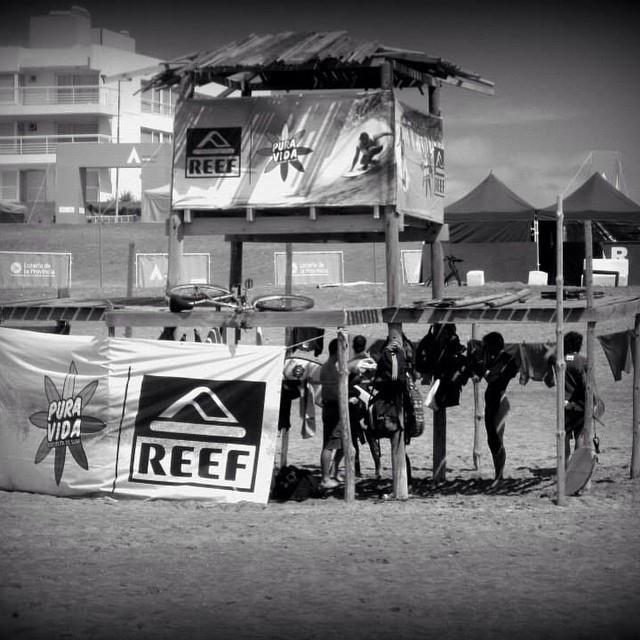 Felices de ser parte de la Escuela de Surf PURA VIDA