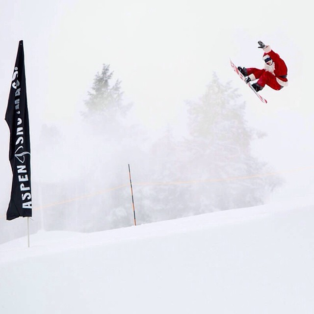 First drop in the brand new #xgames SuperPipe @aspensnowmass goes to none other than Santa. Happy holidays!