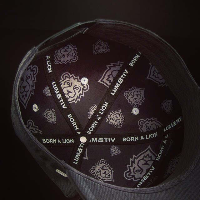 Inside the new @lumativ X @bornalionclthng #limited edition #snapback. #Seamless #technology #integration. #quality and #comfort built for a #king.