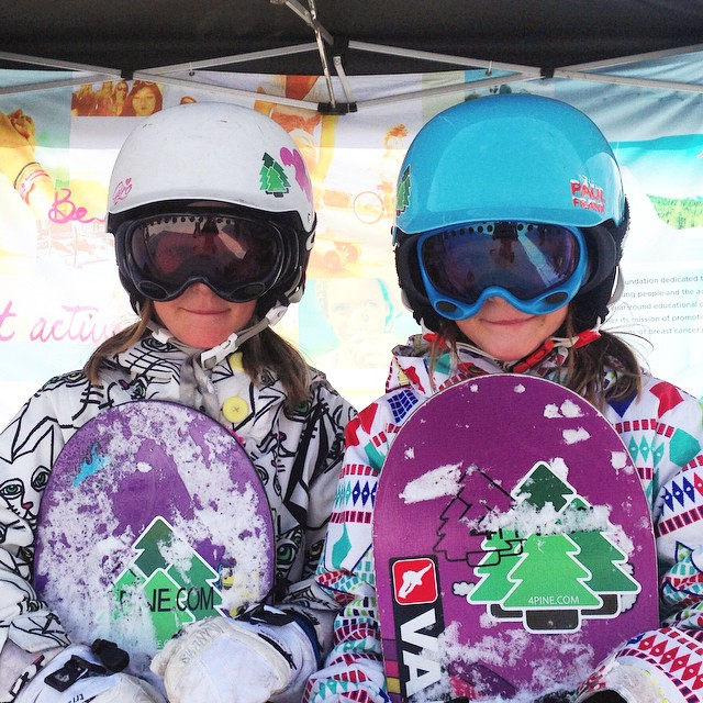 Identical twin shred girls Devon and Barrett stopped by the B4BC booth at the #BurtonUSOpen to learn about that #behealthygetactive life!