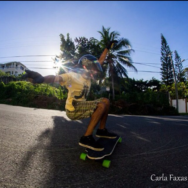 @kurativo always always always going faster than you #keepitholesom pic @carlafaxass #delpatiolongboarding
