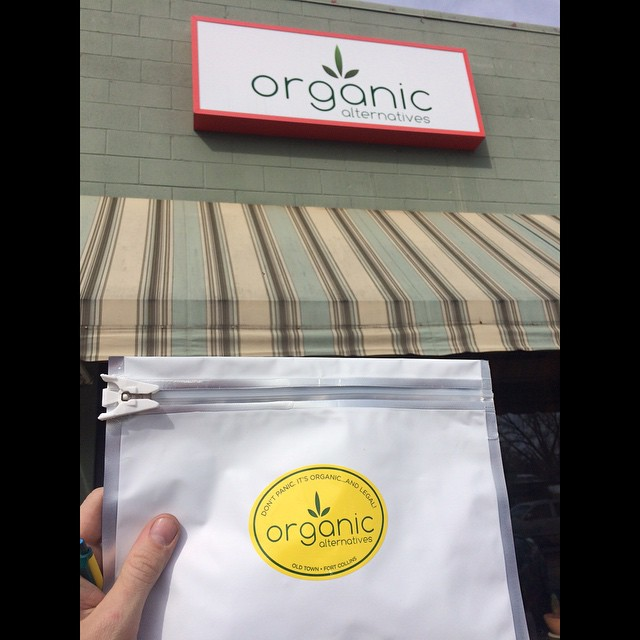 It's nice to have @skoobacheewa who work with @Organicalternativesfoco  What a great convenience while being so far from home.  Thanks @Kaiposabas , and we look  forward to making some custom boards for you guys. #bud tenders  #girlscoutcookie...