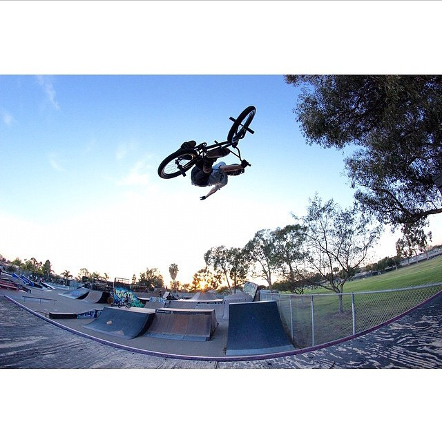Great capture by @noahnelson1 of @_parkerheath doing a massive one handed X-up.