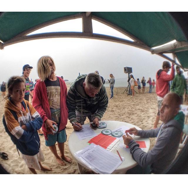 Todos inscriptos para el #tct nos espera un gran dia de #surf #LetTheKidsRideFree #volcomsurf @philipsargentina @termaarg @freelifesurf @konaaccesorios