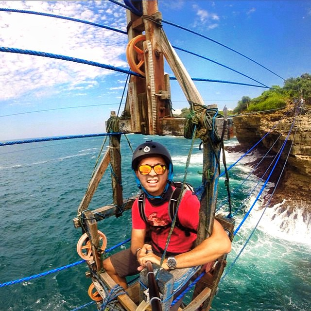 Have you ever seen or ridden one of these? This is a traditional wooden gondola built 50 meters above the ocean in Tamang Beach. It was once used by lobster fisherman for transportation, it's now an attraction. Sandy sports the North Shore Solo shades...