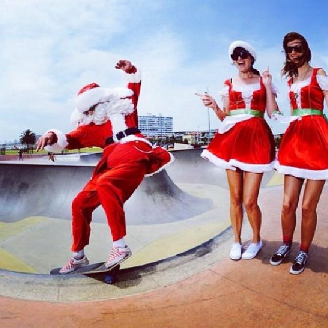 Feliz #navidadvans y a disfrutar del dia como quieras! #skateboarding #skate #Navidad
