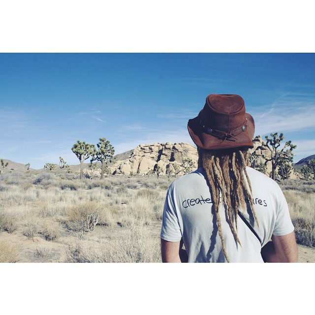Adventuring into the weekend •• Men's Adventure tee in granite. Made in California from a blend of hemp and organic cotton. Available in our online shop •• #bekindvibes #bekindtribe #organic #hempclothing #sustainable #ecofriendly #shopconsciously...