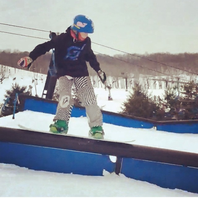 @fitzdwyer #snowboarding #downrail #perfectnorth #madrivermountain #terrainpark #skiing #JustSendIt