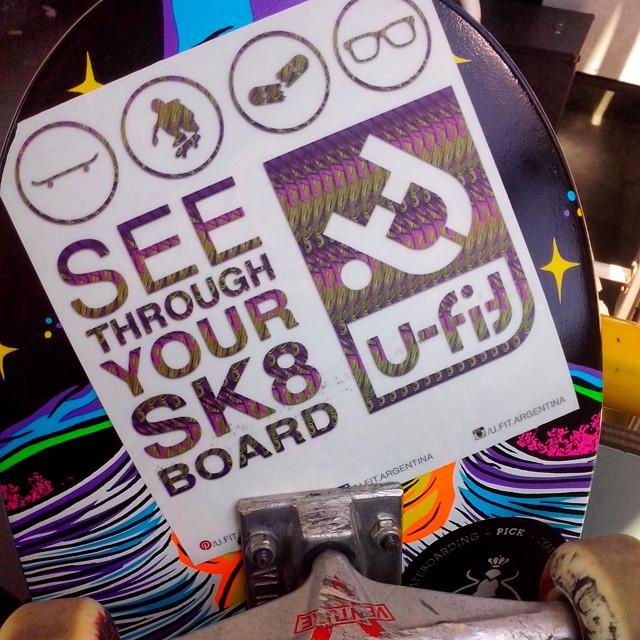 """""""Mira a traves de tu skateboard"""" Eso es lo que hicimos nosotros para lograr obtener los anteojos reciclados. #skateboarding  #skate  #skateboard  #ufit  #ufitargentina #seethroughyoursk8board  #anteojosdeskate  #anteojosdemadera #anteojosreciclados ..."""