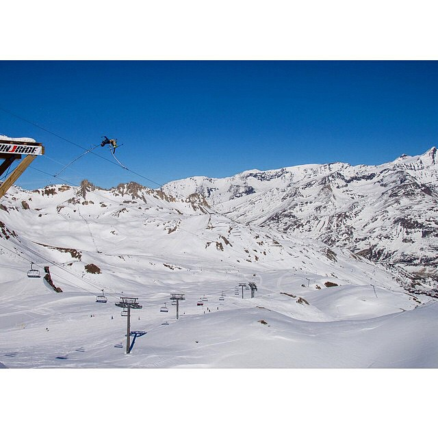 @mrdavidwise never fails to impress. #shapingskiing