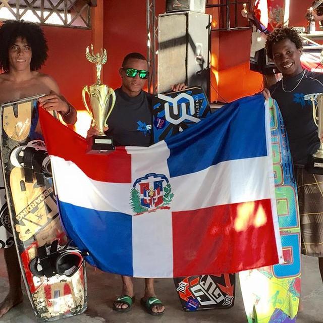 Another win for Luis #starkites & #fulsend @starkites #JustSendIt #kiteboard #kitesurf @kitegirlsunited