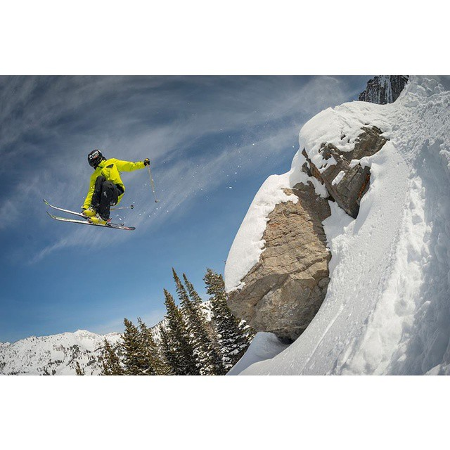 @ryan_vitale getting sendy and showing off his Devastators last week. #shapingskiing Photo: @doworkdontsleep
