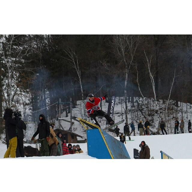 Team rider from #Minnesota @azizipflipsen❄️#Snowboarding #FrostyHeadwear #FrostyVision