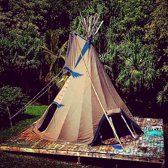 Creative spaces: painting teepee studio on Kauai @thebarn808 #AllSwell