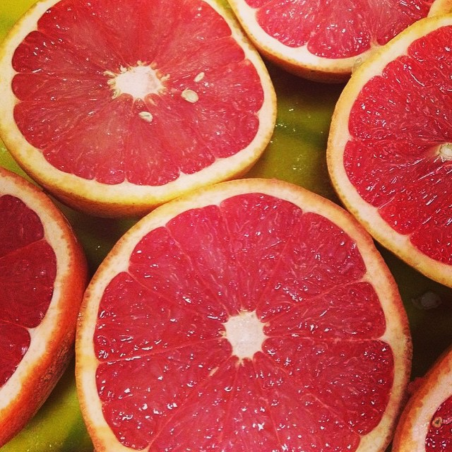 Don't forget your #HumpDay fuel via @bvalorosi and deliciously pink citrus! #miolainaction #thegoodlife #getoutthere