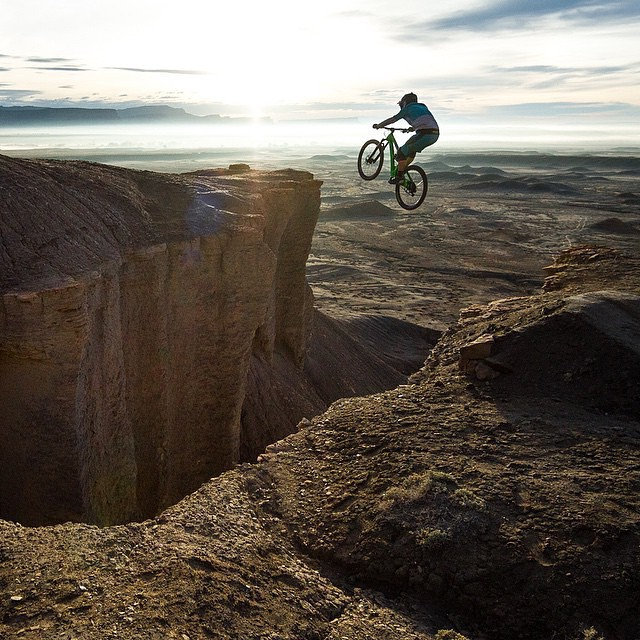 @joeyschusler captures @shawnneer sending it into oblivion