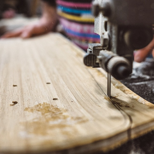 Just Follow the Line #naturallogskateboards #woodworking #craftsmen #bamboo #cruiser #skateboard #longboard