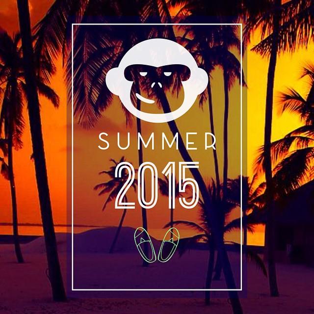 El verano aun no termina! Elegí tus #blackmonkey en nuestros diferentes puntos/opciones de ventas! Enjoy!! #blackmonkeystore #alpargatas #calzado #colours #summer #2015 #friday #beach #palms #live #enjoy #lol #photooftheday #travel #summerneverend...