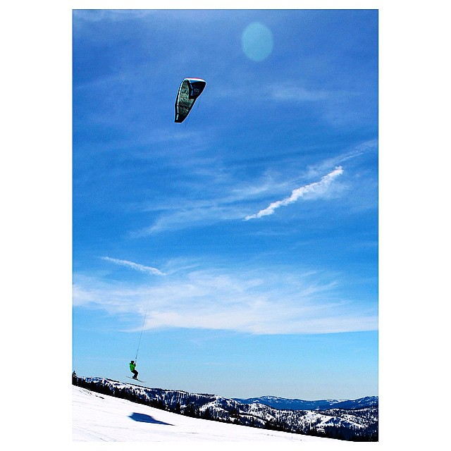 Our man @tylerbrownkite getting lifted off the backside of @skialpine. Check out his spread in the latest @the_kiteboarder magazine. _ #desolationsupply #DESO #itswayoutthere
