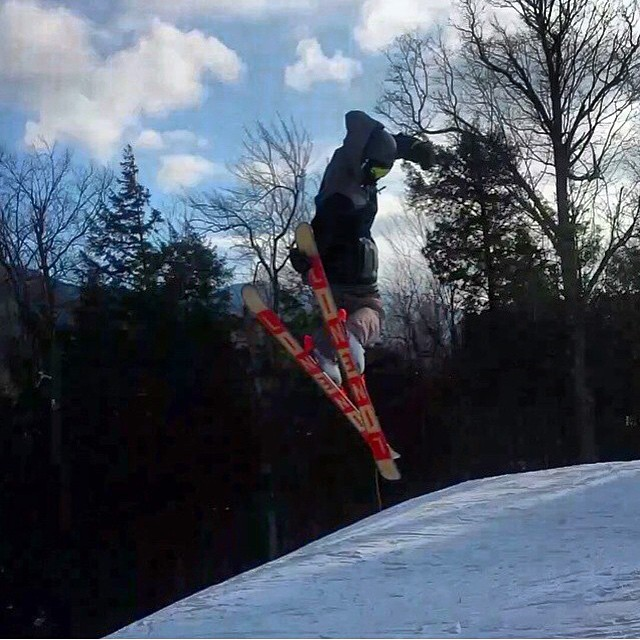 Team rider Luke-jay Phillips all the way from Jamaica, throwing a 360 grab. #earnyouturns #iloveskiing #instagood #mountainlife