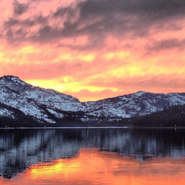 Sending mad love to the #snow gods. We love our #Tahoe sunsets but those mountains are bare! #prayforsnow