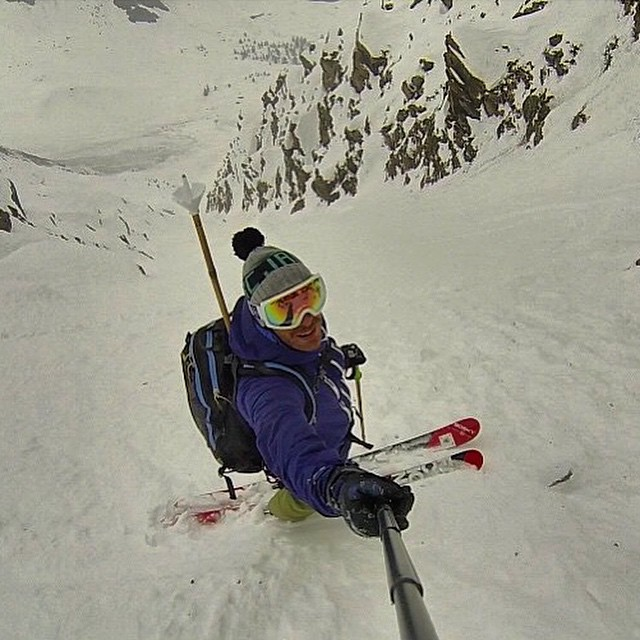 Goggles, skiing and @francescohekla makes us happy. Francesco Salamone riding a steep line while wearing Bosky goggles makes us excited. #skiitaly #skiing #earnyouturns #neverstopexploring #boskyoptics