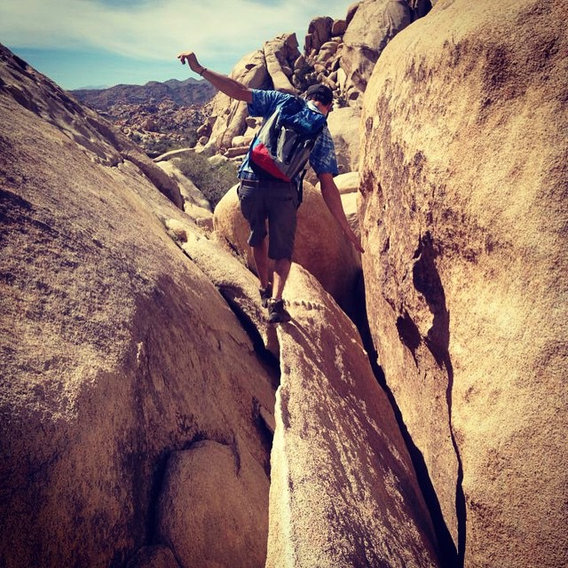 Stay sharp // weekend camp trip in Joshua Tree National Park. @grahamsherman #cuttingthewind  #discoverpack #mafiajoy