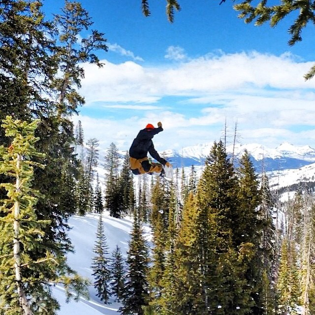 Team rider @teddy_shine being the guinea pig on the jump of the day. #welcometonature #freshairandfreedom #picoftheday #oregonoutdoors #boskyoptics
