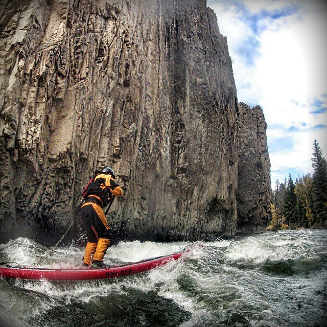 @john.blackshire charging on the Blue River. #halagear #halanass #adventuredesigned #whitewaterdesigned #weloverivers #whitewatersup #riversup #repostmysup #weliveadventure #sup #supeverydamnday #standuppaddle #stand_up_paddle #waterisourplayground...