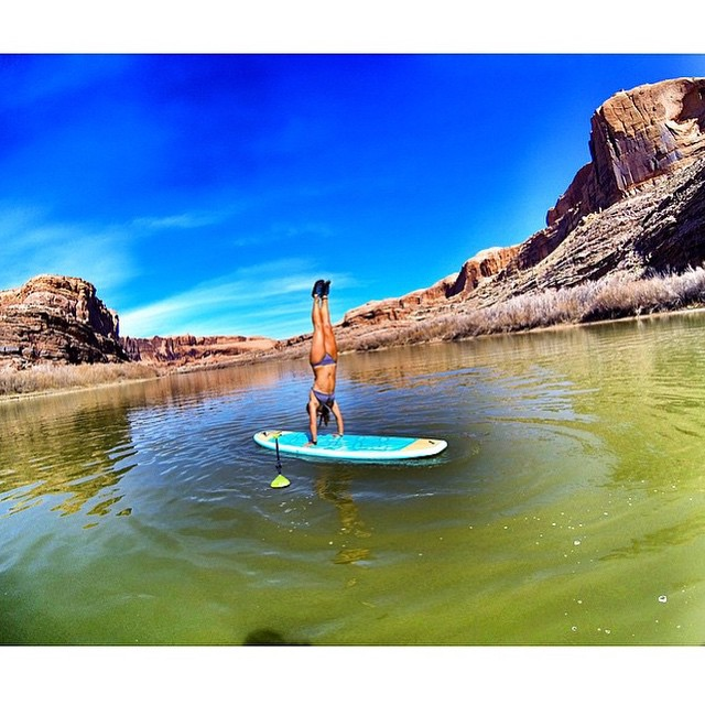 Check out @nautilussup's schedule for upcoming river trips this summer! www.nautilussup.com  @nautilussup #localhoneydesigns #nautilussup #handstand #love #strength #balance #moab #utah #bornfree #girlpowered #riverfox #yoga #supyoga #joyrideflow...