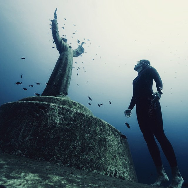 Deep dive? The underwater statue  near Portofino. @redbulladventure #belowthesurface #adventure #diving
