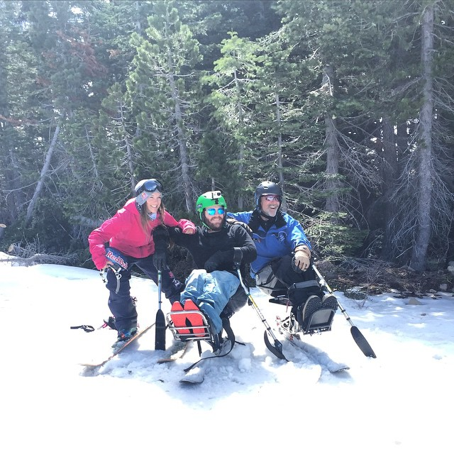 Having fun while skiing with @myshellparker @disabledsportstahoe & #HighFivesAthlete 's! #NorthstarGives #EpicPromise #DoingGoodWhileHavingFun
