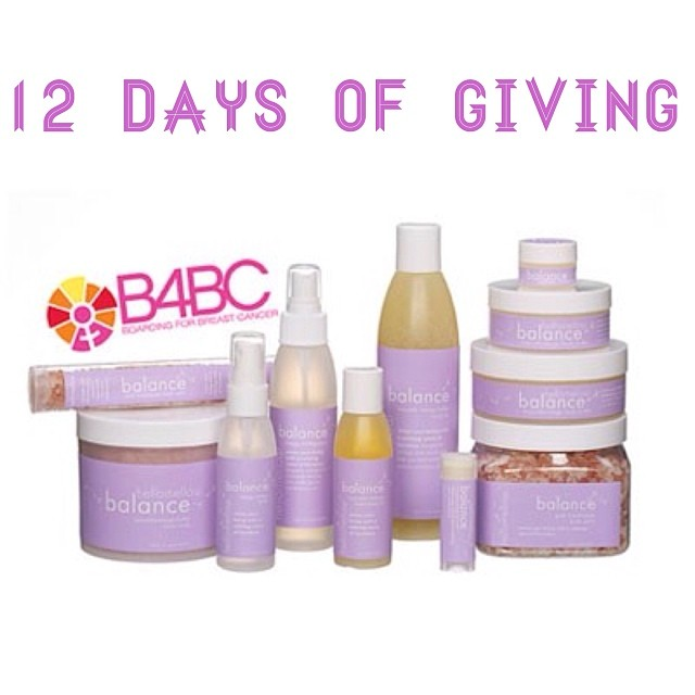 12 DAYS OF GIVING // hellomellow DAY 8: Get your zen on with the soothing @hellomellowgram balance line, the ultimate mood balancing act with a perfect blend of bergamot, chamomile and orange magic!  De-stress from the holiday craziness and know that...