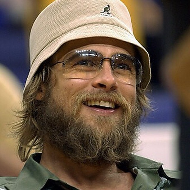 #TBT Brad Pitt channeling his inner Dude #kangol