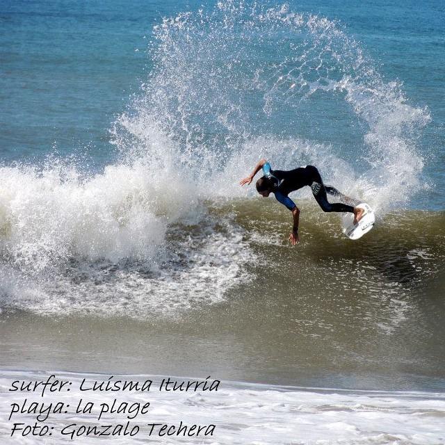 @luismaiturria al límite! PH:Gonzalo Techera #soul #surfing #waves #reefargentina