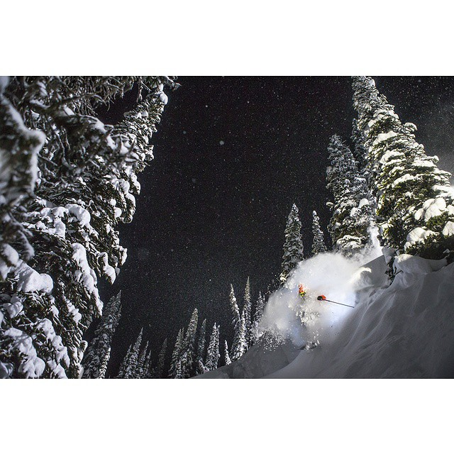 @eric_hjorleifson sending that nighttime pow.  Photo: @oskar_enander (follow this guy for one of the most inspiring accounts out there)  #shapingskiing #righteric