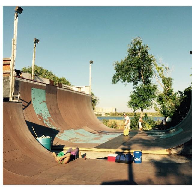 Vert ramp rebuild complete!Photo: Wade Ulrich #skateboarding #floridaskatescene #forthelove #demonseedskateboards #bobumbel #steveworkwan