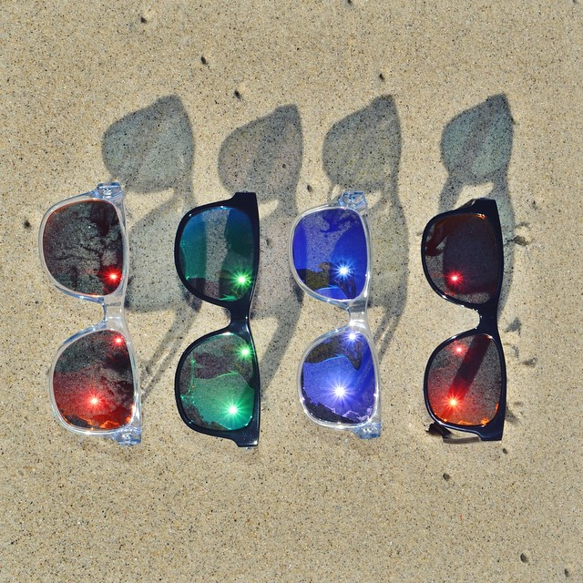 • Spring in the Sand • #hovenvision #spring #sunglasses #polarized #color #beach #sand #surf #sun #wayfayer #tgif #friday #happy #springtime