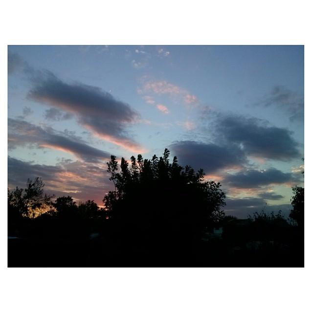 .Adios sol de verano. #byesummer #sunset #BuenosAires #sky