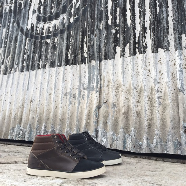 Grimm Mid Brown o Black? Pasa a ver la colección invierno de #Volcomfootwear Disponible en #VolcomStores #Aw15 #TrueToThis