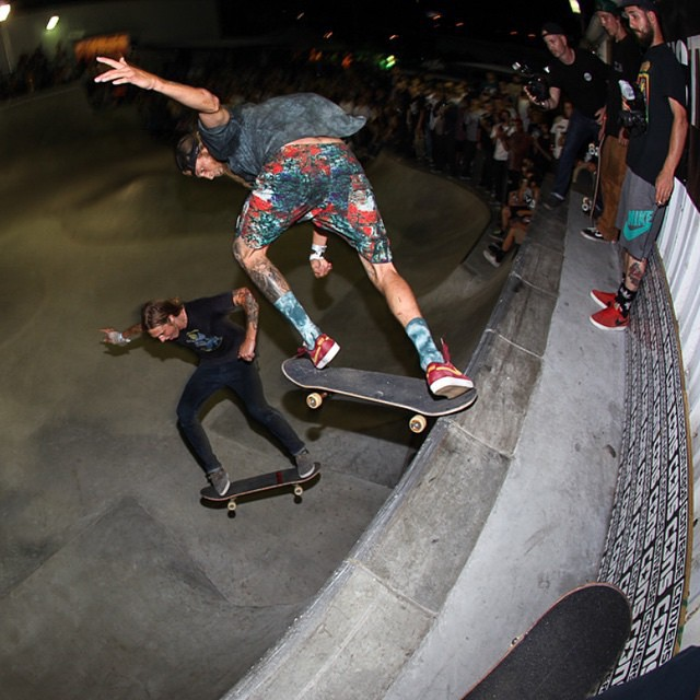 @greyson_fletcher back tailing over the door (and over @tweestopher) during last nights best trick at #TampaPro >>>