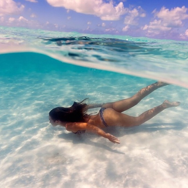 #WorldWaterDay has us reveling in how amazing it feels to be under the sea. Take us to wherever @_bahamasgirl_ might be! #getoutthere #takemethere #lifeunderwater #mermaidlife #water #bahamas #lifeisbetterinabikini