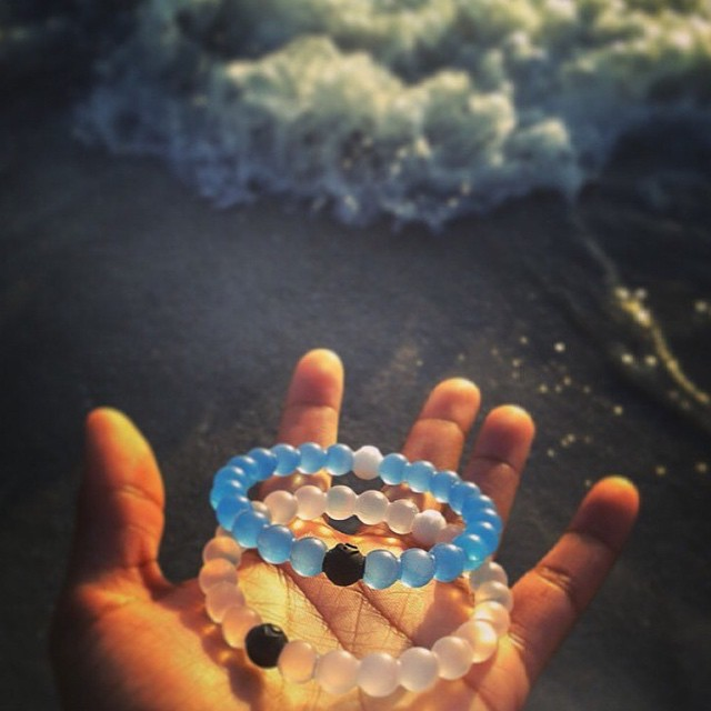 Grab the last blue lokais! Only 4 hours left #livelokai  Thanks @galactic_diddles