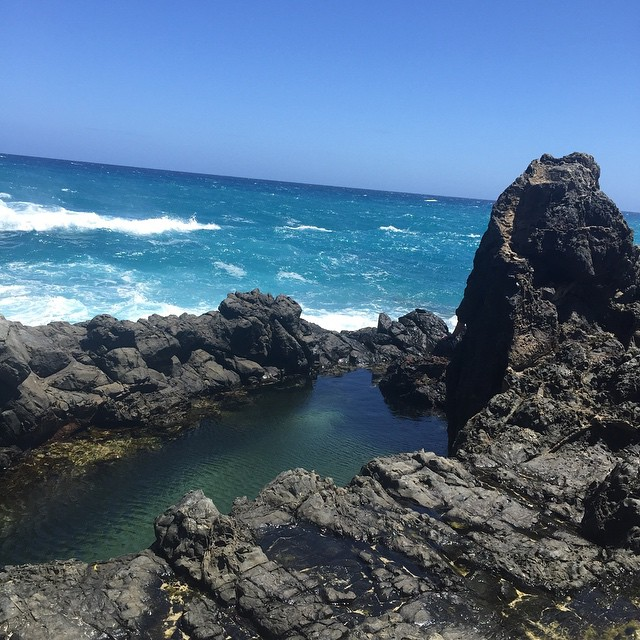 #mokulua #island #natural #pool off #lanikai #beach #hawaii. #sundayfunday #sun #nofilter #ocean #luckywelivehi